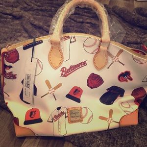 NWT Dooney and Bourke Oriole Bag